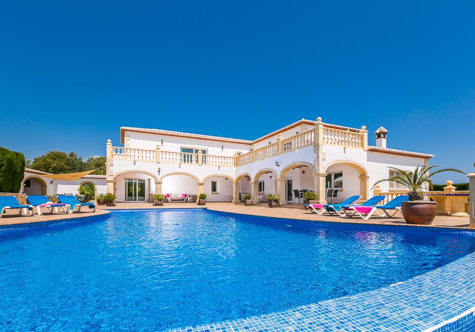 luxury 5 bedroom private rental villa in javea