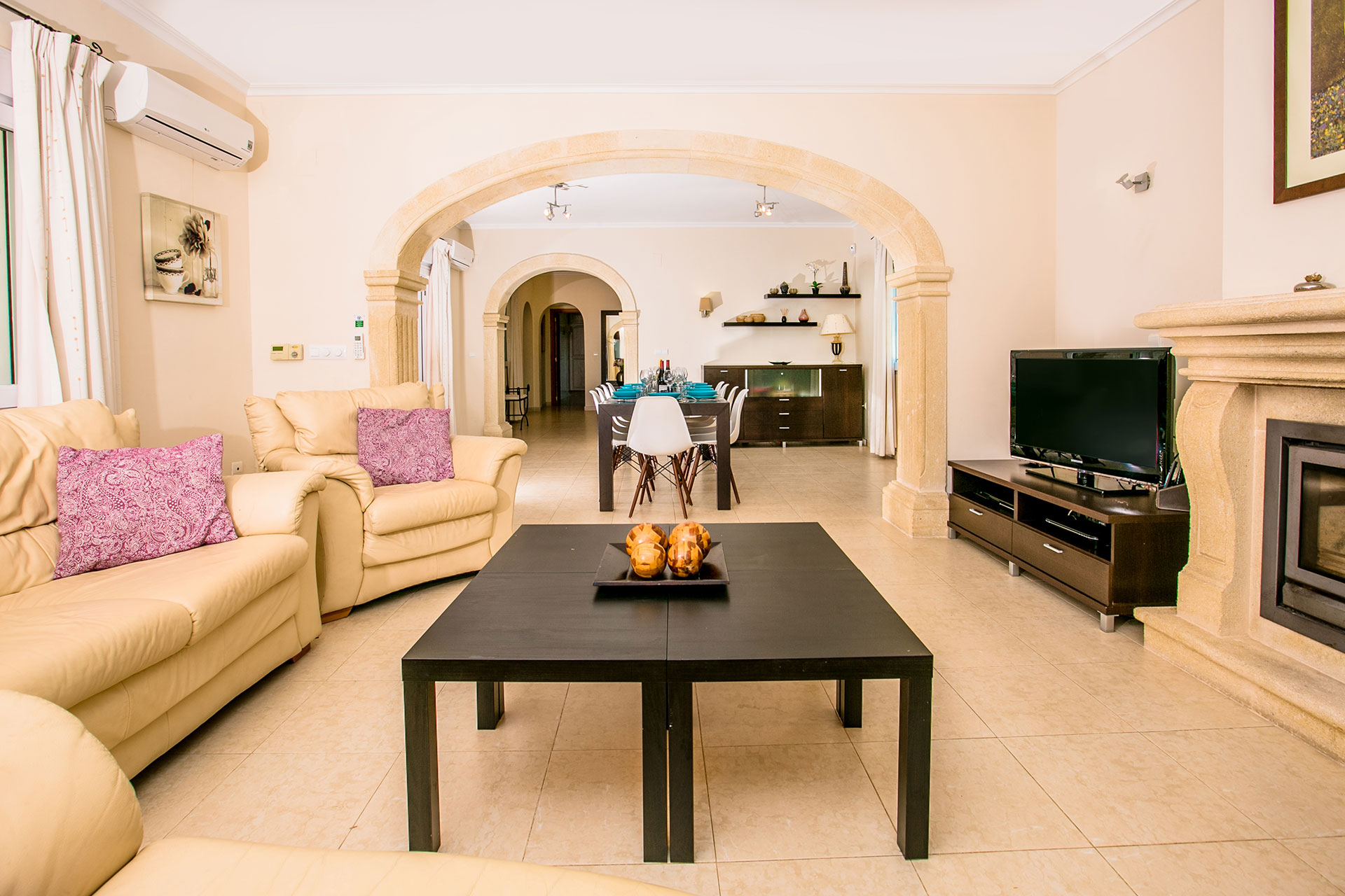 Homeaway javea open plan living area.